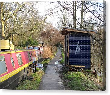 The Oxford Canal Canvas Print by Hugh Reynolds