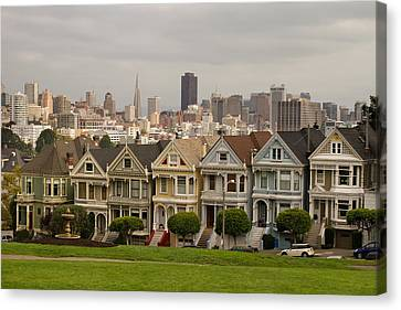 Painted Ladies Row Houses And San Francisco Skyline Canvas Print by Jit Lim
