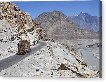 Painted Truck On The Karakorum Highway In Pakistan Canvas Print by Robert Preston
