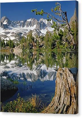 2m6443-v-palisade Peaks And Summit Lake V Canvas Print