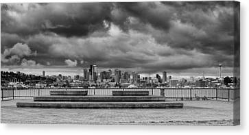 Panorama Of Downtown Seattle From Gasworks Park Seattle Black And White - Washington Canvas Print by Silvio Ligutti