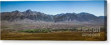 Panoramic Of Mackay Canvas Print by Robert Bales