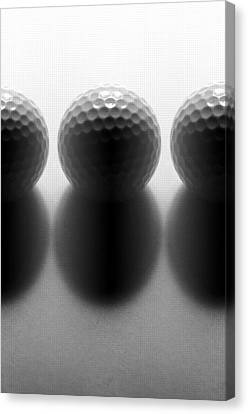 Par 3...golf Canvas Print by Tom Druin