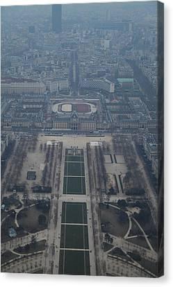 Paris France - Eiffel Tower - 01136 Canvas Print by DC Photographer