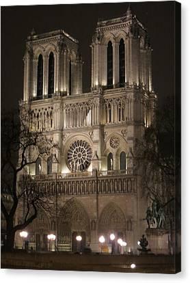 Paris France - Notre Dame De Paris - 12121 Canvas Print by DC Photographer