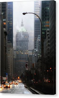 Park Avenue Dawn In Color Canvas Print by Dave Beckerman