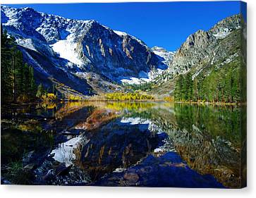 Parker Lake California In Fall Canvas Print by Scott McGuire