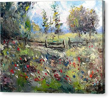 Pasture With Fence Canvas Print by Lee Piper