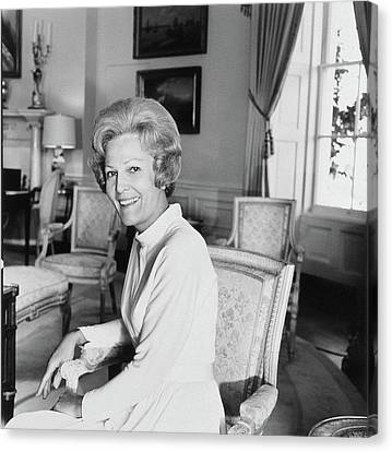 Pat Nixon In The White House Canvas Print by Horst P. Horst