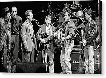 Paul Simon And Friends Canvas Print by Chuck Spang