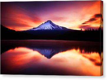 Peaceful Morning On The Lake Canvas Print by Darren  White