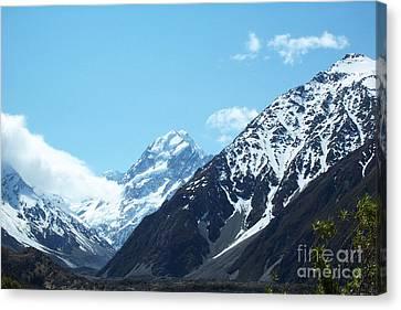 Peaks Of New Zealand Canvas Print