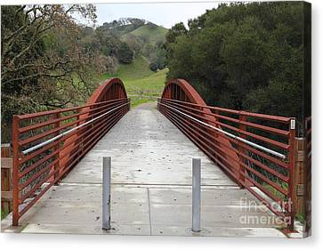Pedestrian Bridge Fernandez Ranch California - 5d21031 Canvas Print by Wingsdomain Art and Photography