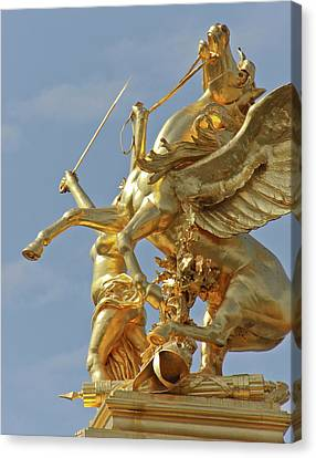 Pegasus Statue At The Pont Alexander Canvas Print by William Sutton