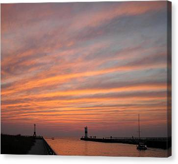 Canvas Print featuring the photograph Pentwater Pier Lighthouse by Penny Hunt
