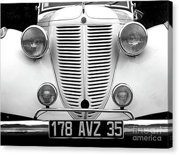 Perfect Bw Canvas Print by Newel Hunter
