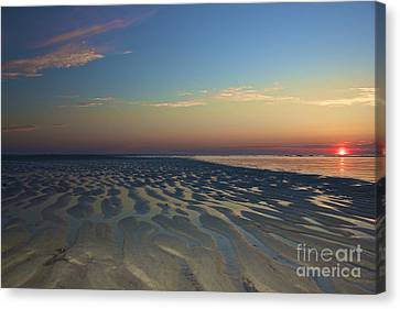 Perfect Ending Canvas Print by Amazing Jules