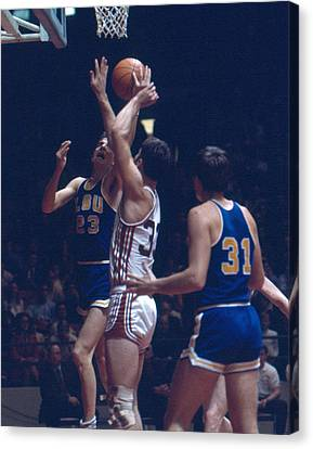 Pete Maravich In Traffic Canvas Print by Retro Images Archive