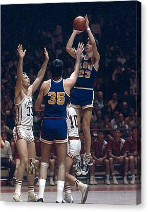 Pete Maravich Shooting In Traffic Canvas Print by Retro Images Archive