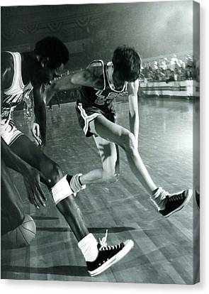 Pete Maravich Tricky Pass Canvas Print by Retro Images Archive