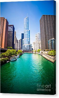 Photo Of Downtown Chicago With Trump Tower Canvas Print by Paul Velgos