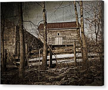 Country Barn Photograph Canvas Print