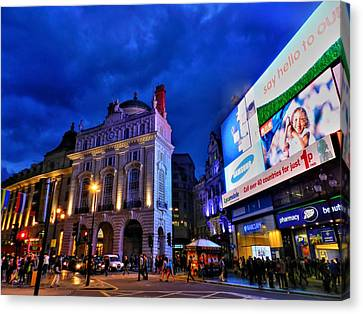 Piccadilly Circus 002 Canvas Print