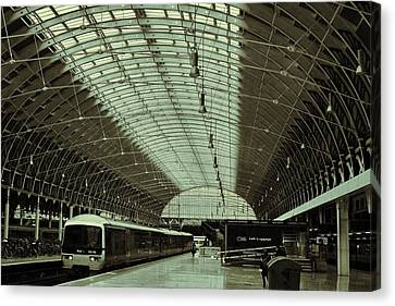 Piccadilly Station Canvas Print