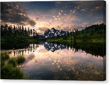 Canvas Print featuring the photograph Picture Lake Awakening by Dan Mihai