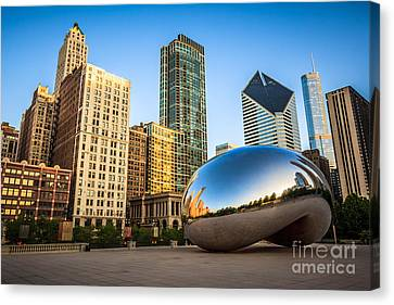 Picture Of Cloud Gate Bean And Chicago Skyline Canvas Print