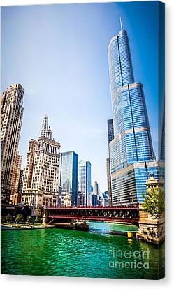 Picture Of Downtown Chicago With Trump Tower Canvas Print by Paul Velgos