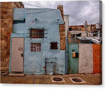 Canvas Print featuring the photograph Picturesque Facades by Uri Baruch