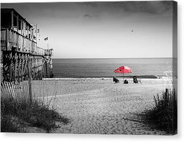 Pier 14 Canvas Print by Ivo Kerssemakers