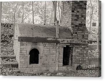 Pinewood Pottery Kiln Canvas Print by Russell Christie