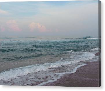 Pink Clouds At Buxton Beach Canvas Print