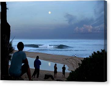 Pipeline Moonset Canvas Print by Sean Davey
