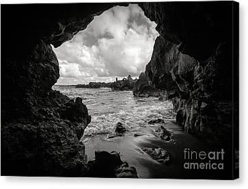 Pirate Treasure Cave Pa'iloa Beach Canvas Print