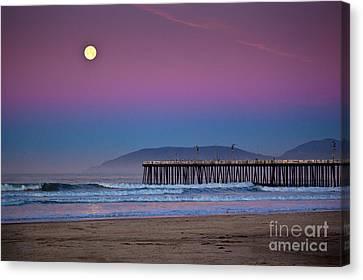 Pismo Beach Moonset At Sunrise Canvas Print