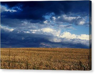 Canvas Print featuring the photograph Plain Sky by Rodney Lee Williams