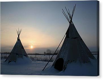 Plains Cree Tipi Canvas Print by Larry Trupp