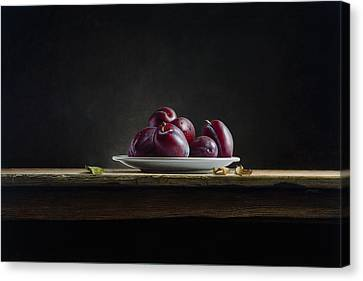 Plate With Plums Canvas Print by Mark Van crombrugge