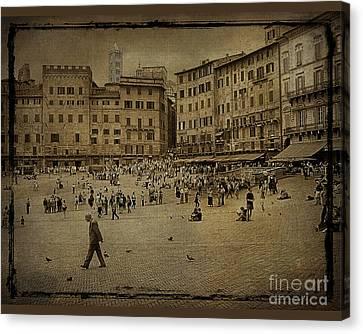 Plaza Siena Italy Canvas Print by Jim Wright