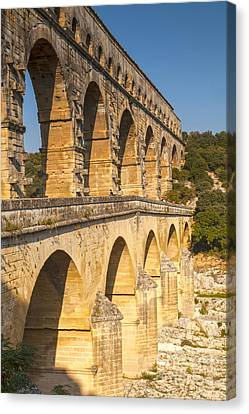 Pont Du Gard Roman Aquaduct Languedoc-roussillon France Canvas Print by Colin and Linda McKie