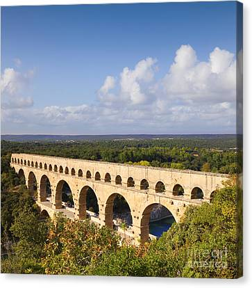 Pont Du Gard Roman Aqueduct Languedoc Roussillon France Canvas Print by Colin and Linda McKie