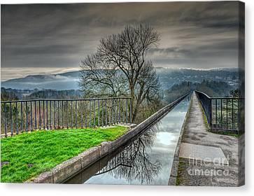 Pontcysyllte Aqueduct Canvas Print by Adrian Evans