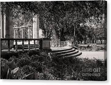Popp Fountain Entrance - Bw Canvas Print by Kathleen K Parker