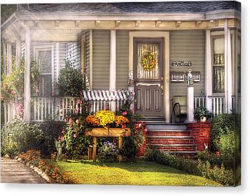 Porch - Westfield Nj - The House Of An Angel Canvas Print by Mike Savad
