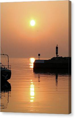 Canvas Print featuring the photograph Port Elgin by The Art Of Marilyn Ridoutt-Greene