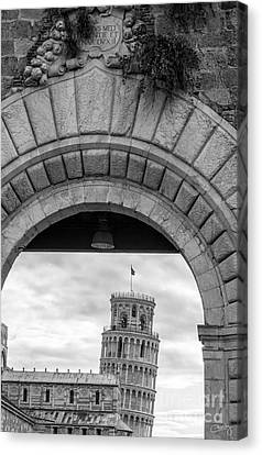 Porta Di Pisa Canvas Print