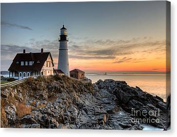 Portland Head Light At Sunrise Iv Canvas Print by Clarence Holmes